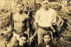 1936 - kanki Izumikawa Sensei com nativos em Palau